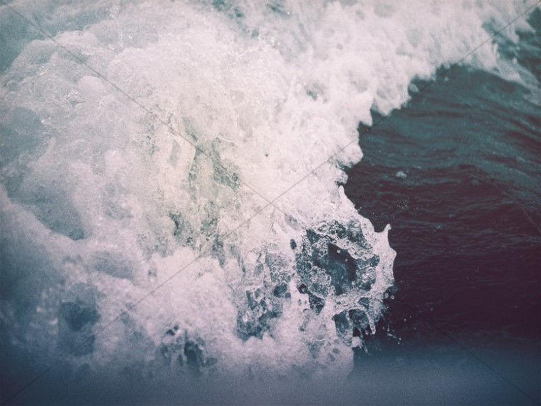 Crashing Waves Water Worship Background