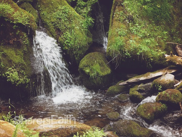 water from the rocks christian worship background