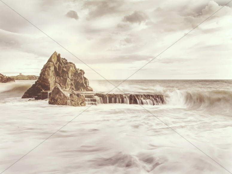 Ocean Waves Over the Rocks Worship Background