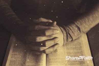 Scripture On Praying Worship Video Loop